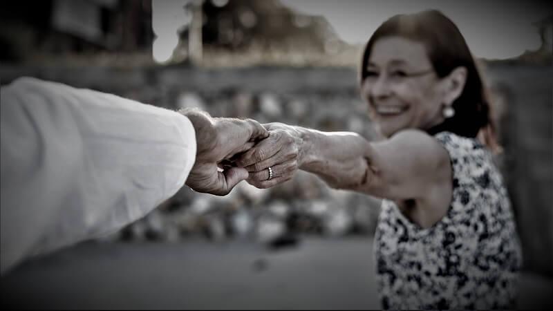 Wie denke ich über den Altersunterschied in einer Beziehung?